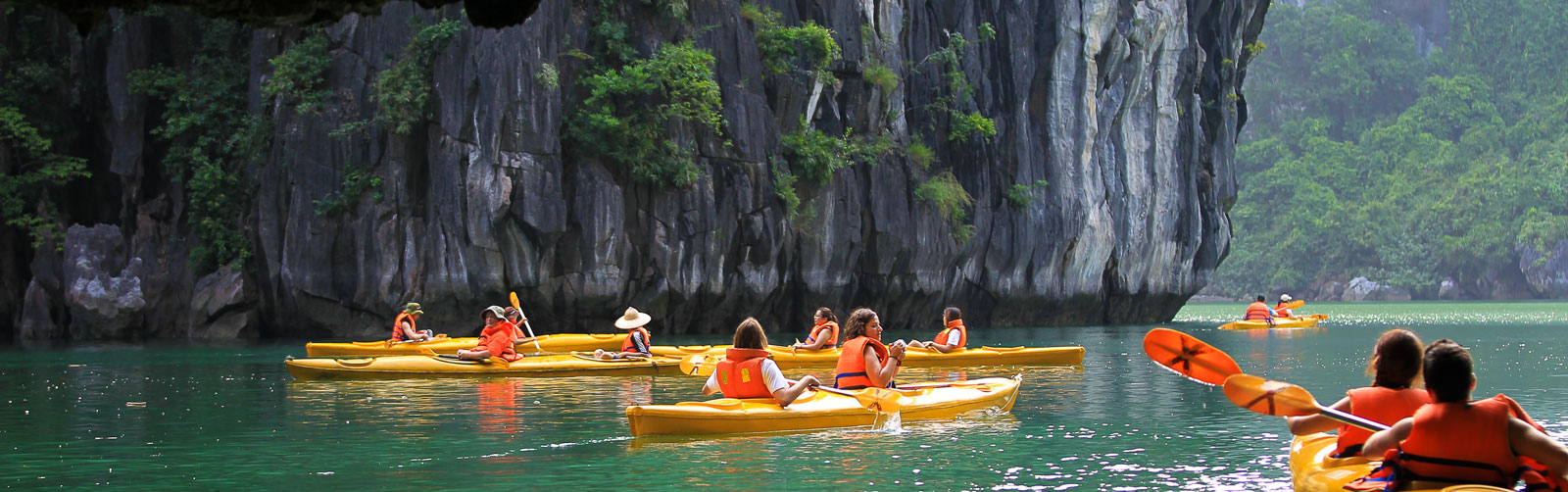 cheo thuyen ha long, kayak ha long bay