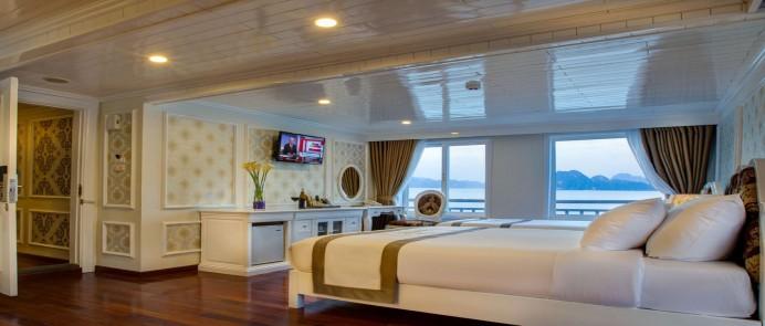 Tàu du lịch Signature Halong Cruise